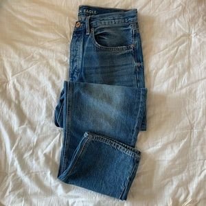 AMERICAN EAGLE blue mom jeans